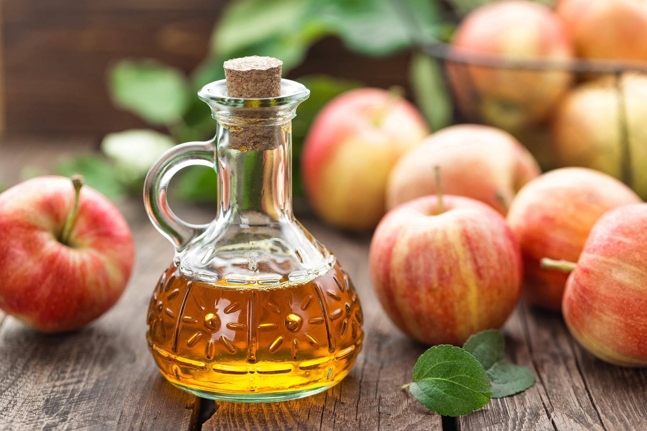 Apfelessig hilft gegen kaputte Haare