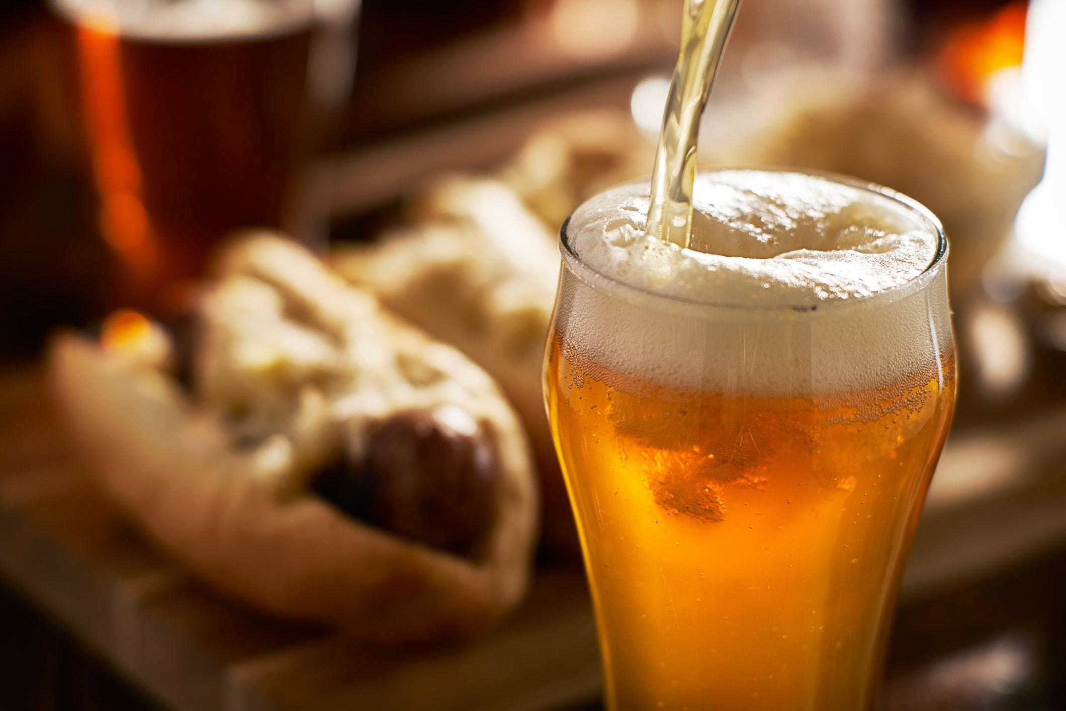 Überraschend: Bier kann gegen kaputte Haare helfen