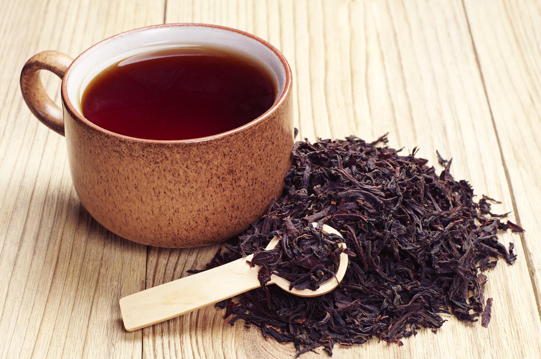 Schwarzer Tee hilft gegen kaputte Haare
