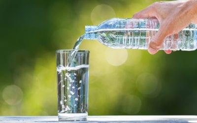 Wie viel Wasser am Tag? So viel sollte man mindestens trinken
