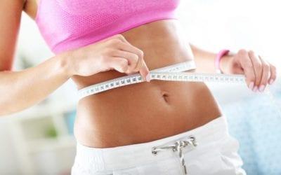 Die 30 besten Tipps wie Du einen flachen Bauch bekommst