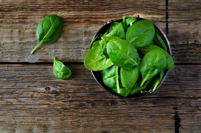 spinat-schüssel