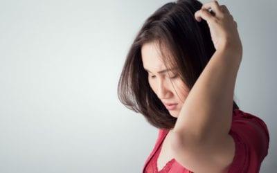 5 Tipps und 10 Hausmittel gegen juckende Kopfhaut