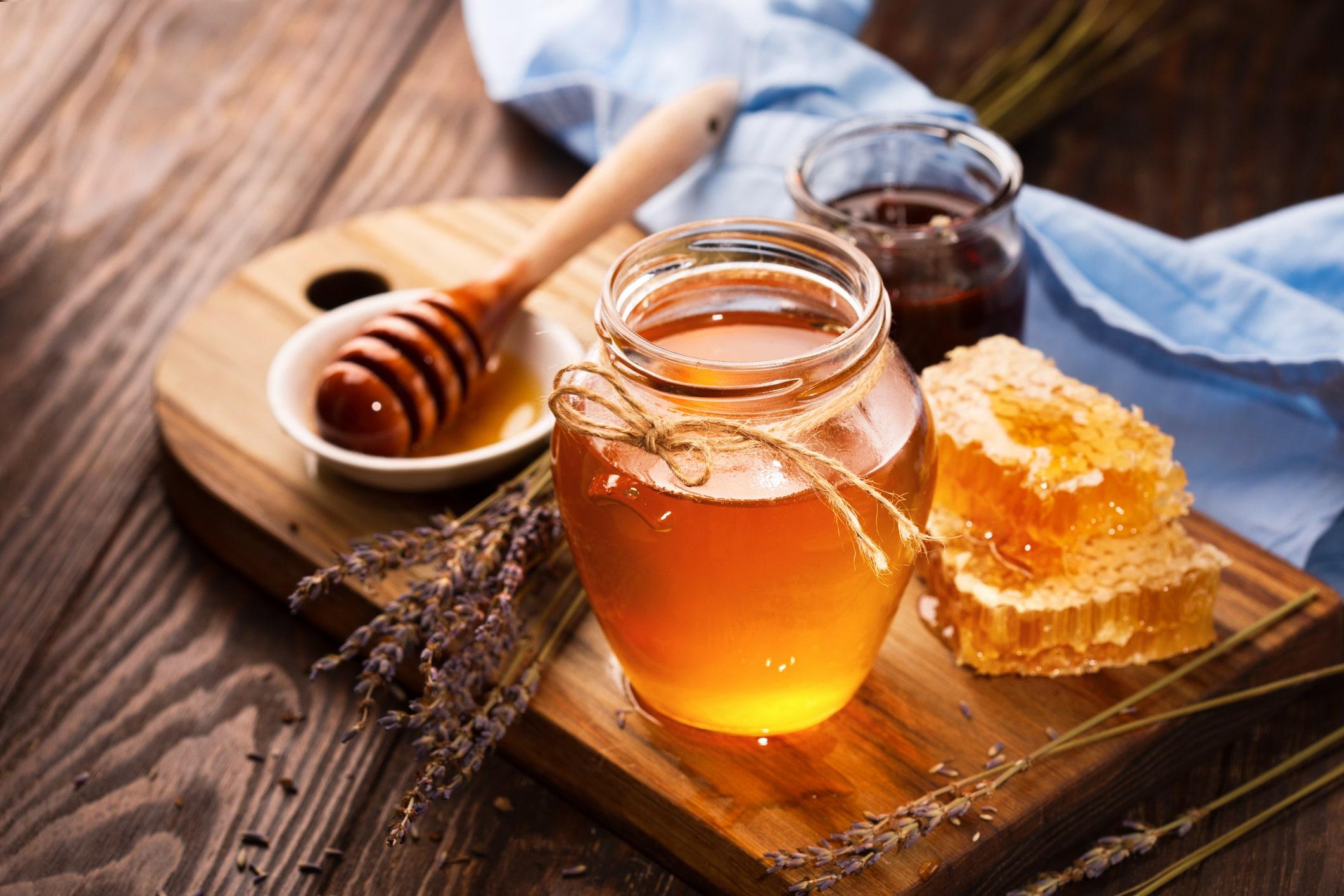 Honig in einer Dose