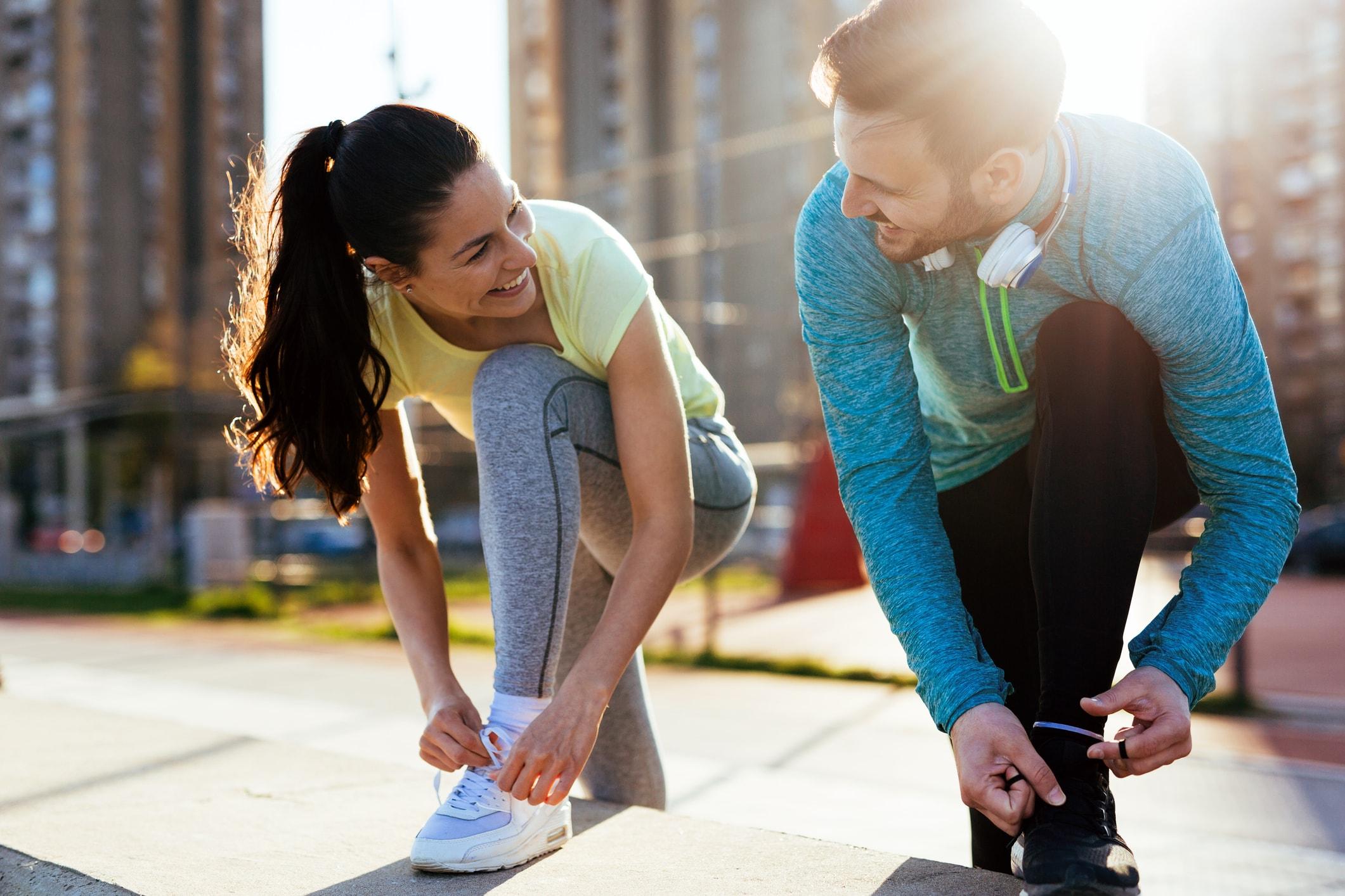 Freunde joggen