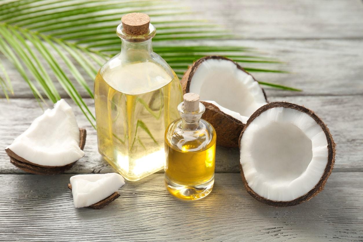 Kokosöl pflegt die Haare