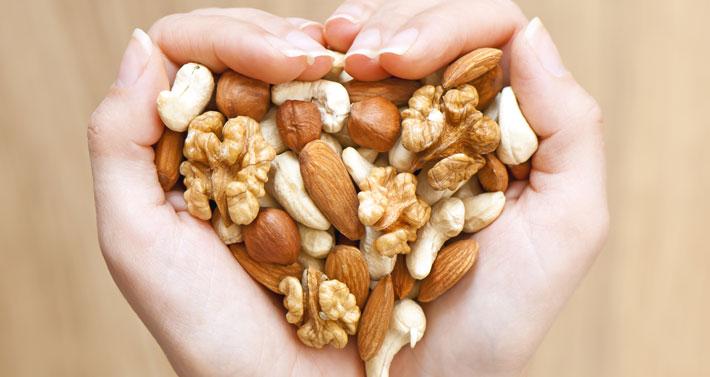 Bei einer echten Low Carb Ernährung dürfen natürlich Nüsse nicht fehlen